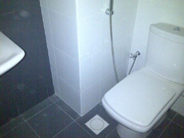 Lake Central, Business Bay - Toilet