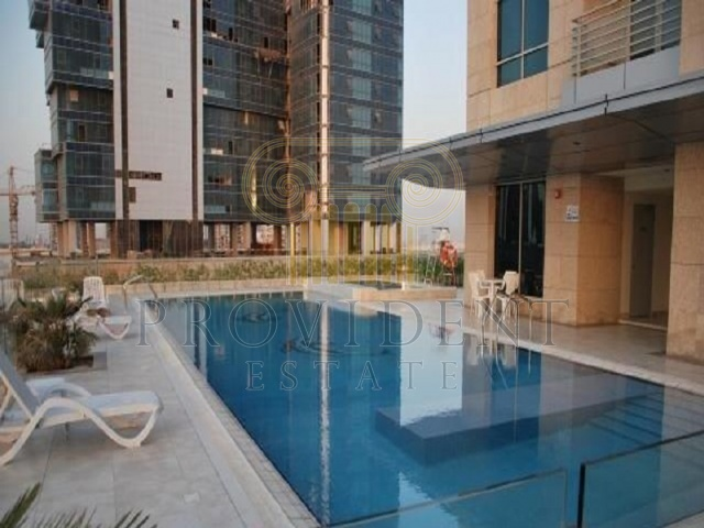 Swimming Pool - Hamilton Tower_Business Bay
